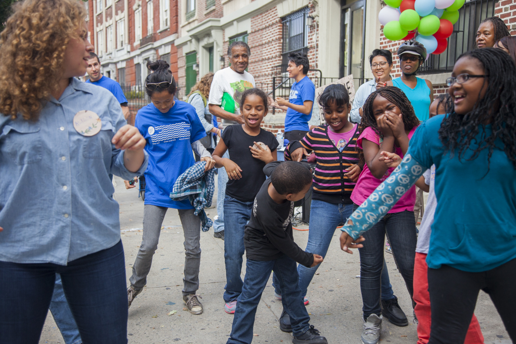 The_Laundromat_Project_9-20-14_MS-150