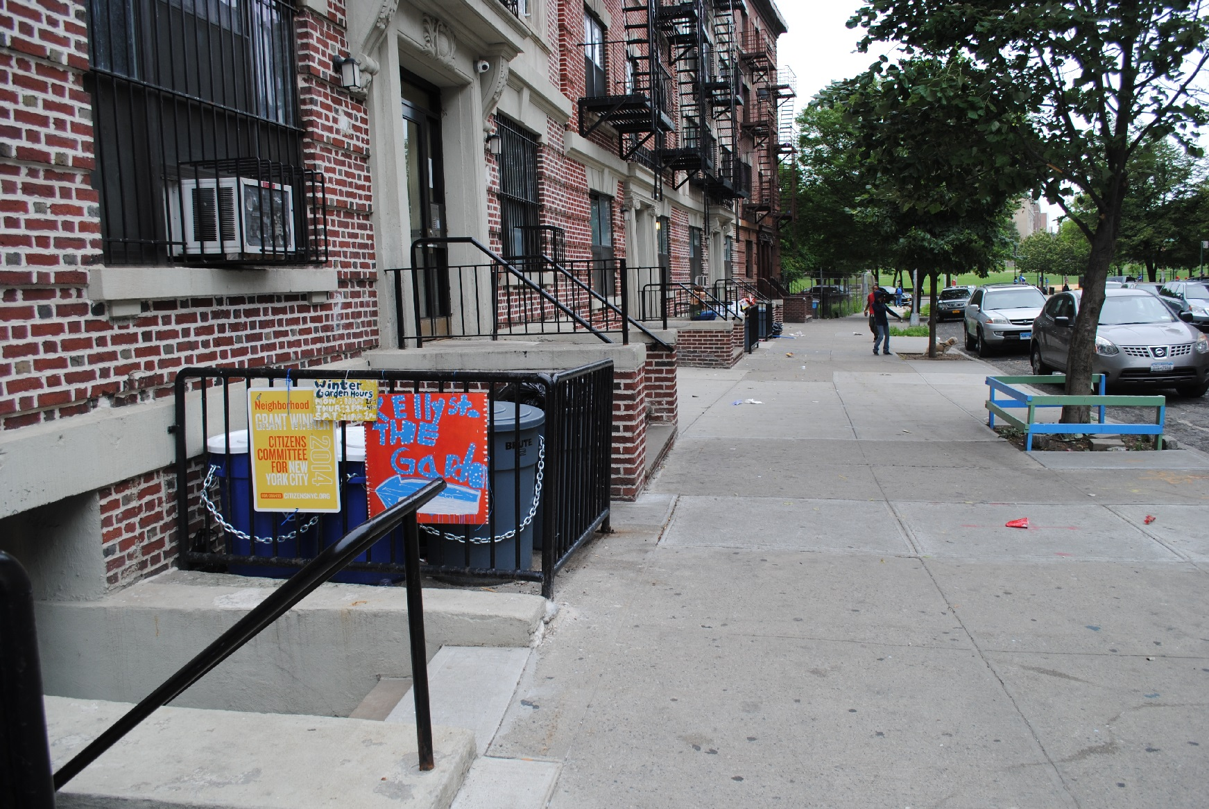 taylor reports from the kelly street garden the laundromat project